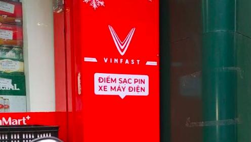 VinGroup tạo điểm sạc điện miễn phí cho xe điện Klara ở VinMart? 1