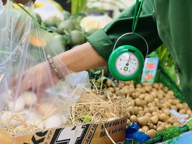 Chiếc xe bán trái cây miệt vườn độc nhất vô nhị Việt Nam 4