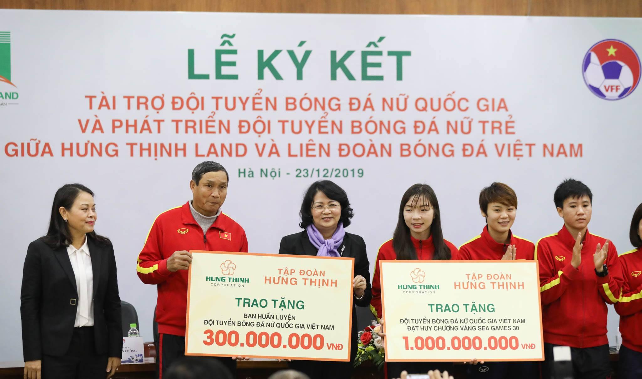 Hưng Thịnh Land tài trợ 100 tỷ đồng cho Đội tuyển bóng đá nữ Quốc gia và Phát triển Đội tuyển nữ trẻ hướng đến World Cup 4