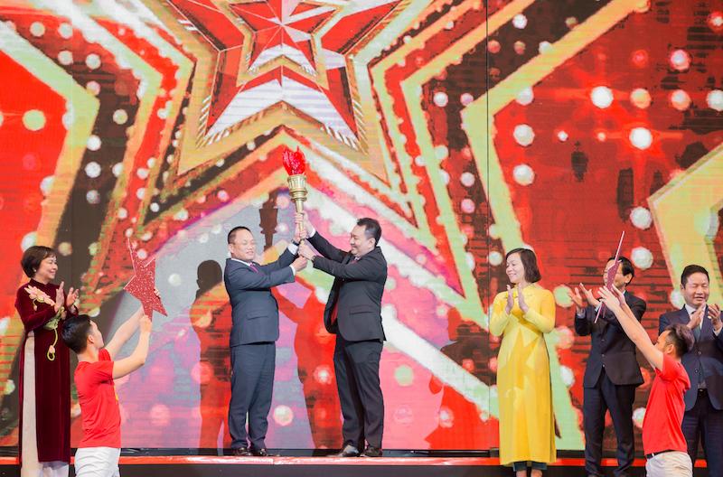 CEO PNJ Lê Trí Thông được vinh danh Top 10 Xuất sắc nhất giải thưởng Sao Đỏ năm 2019 2