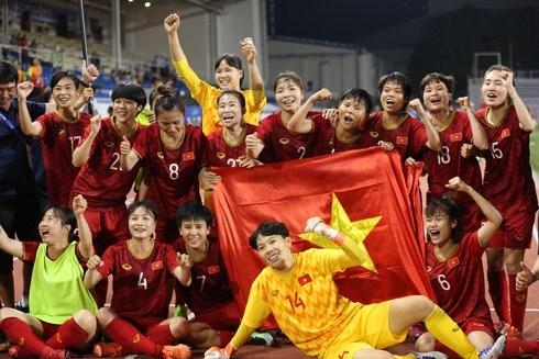 Người cha của các cầu thủ nữ Việt Nam 3