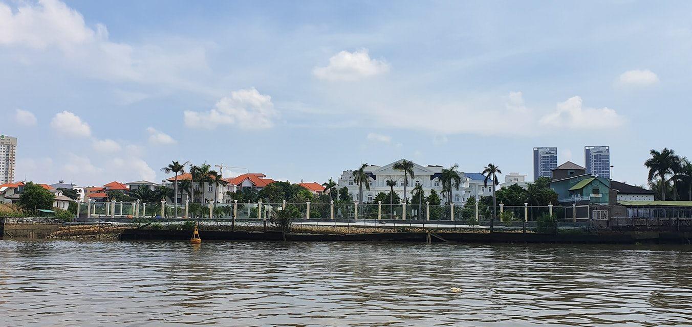 Lấn hàng lang sông, Bờ sông Sài Gòn, Hành lang sông Sài Gòn, Lấn bờ sông Sài Gòn