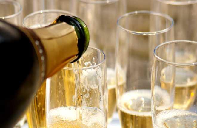 Hãng bia rượu kêu than, chúng ta nên vui mừng! 9