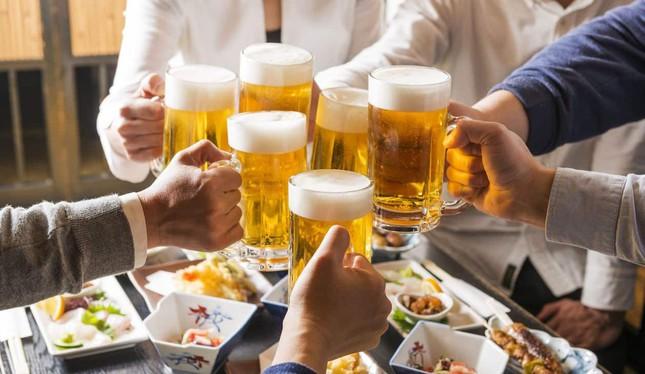 Hãng bia rượu kêu than, chúng ta nên vui mừng! 7