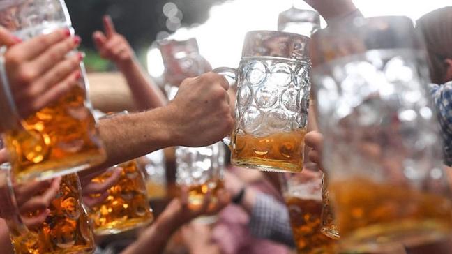 văn hoá uống bia, cụng ly, hô một hai ba dô, 1 2 3 dô, uống bia,