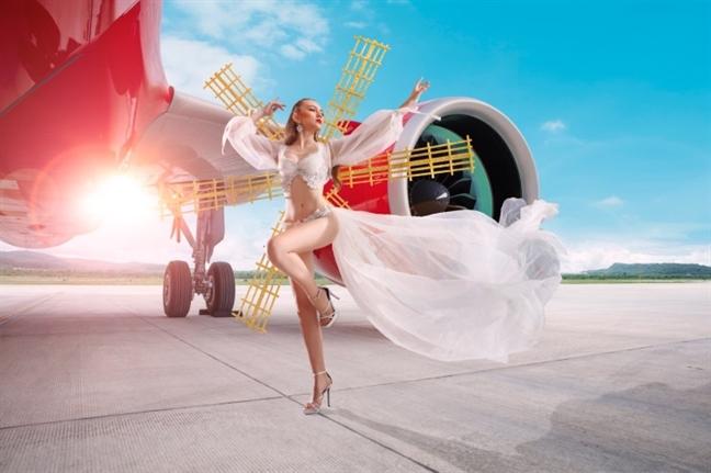 """Bộ lịch Tết 2020 """"nóng"""" muốn hỏng mắt của Vietjet 21"""