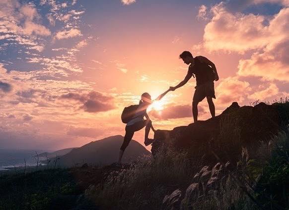 """""""Làm việc tốt không cần báo đáp, chỉ cần bạn hứa với tôi rằng nếu gặp người khác khó khăn hãy hết lòng giúp đỡ họ"""""""
