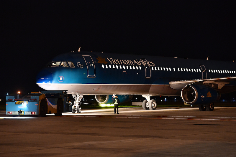Cận cảnhchuyến bay đưa công dân Việt Nam từ Vũ Hán về nước 10