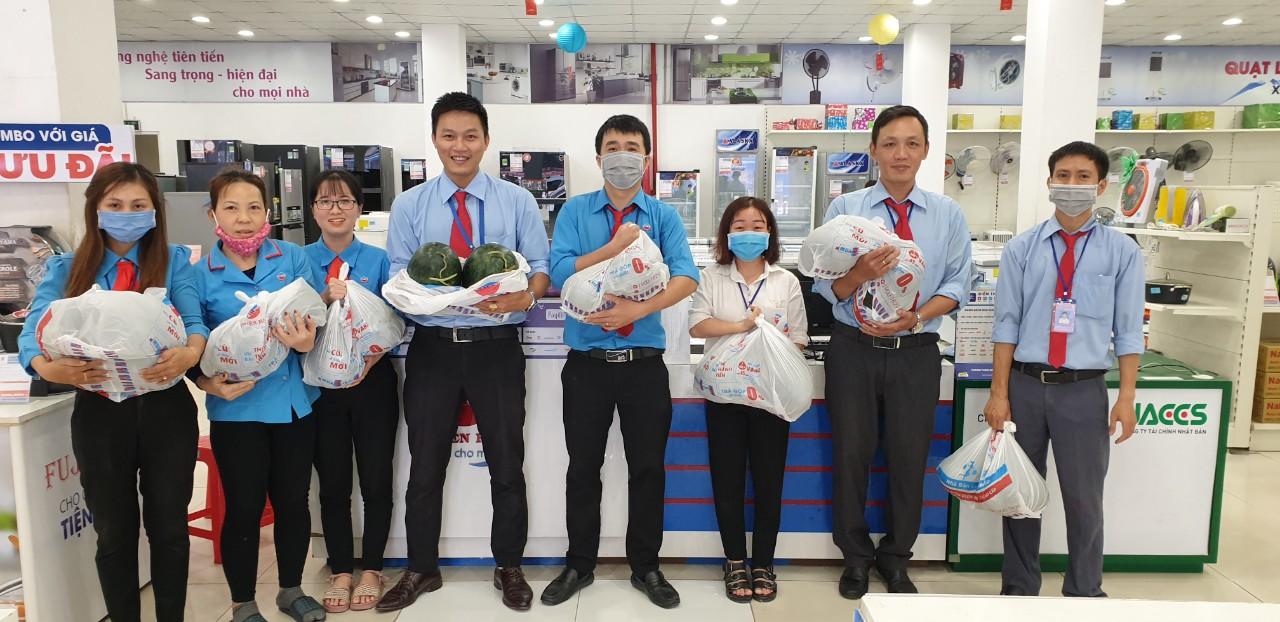 Thiên Hòa mua hàng tấn dưa hấu của nông dân tặng cho nhân viên và đối tác 41