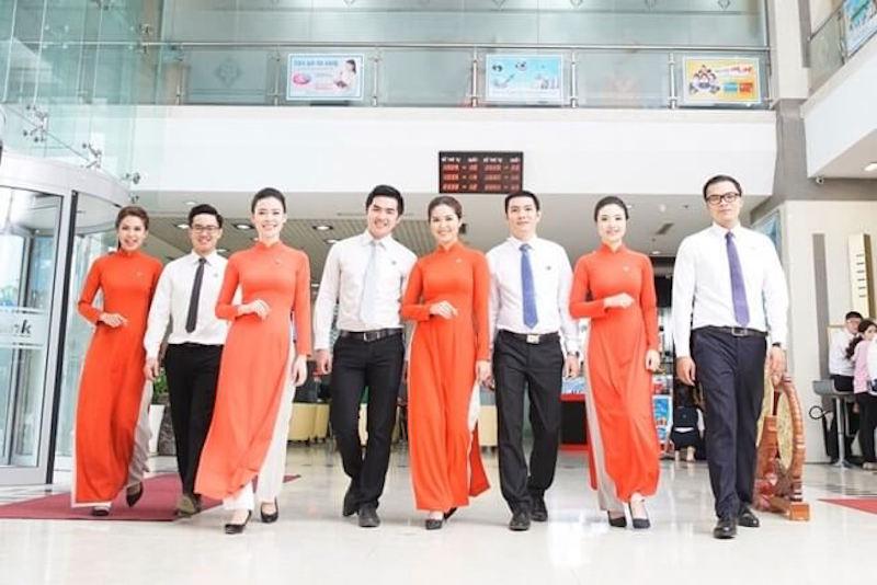 phong cách thời trang công sở, nhân viên ngân hàng, thời trang nhân viên ngân hàng