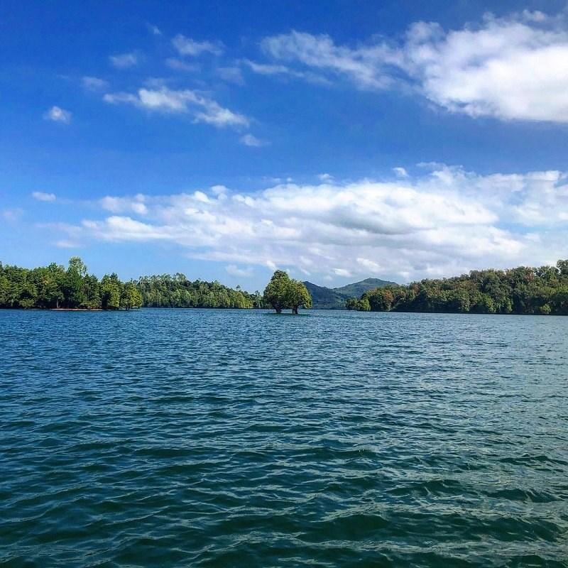 """Hồ Phú Ninh - """"Hạ Long thu nhỏ'' đẹp ngất ngây ở Quảng Nam 5"""