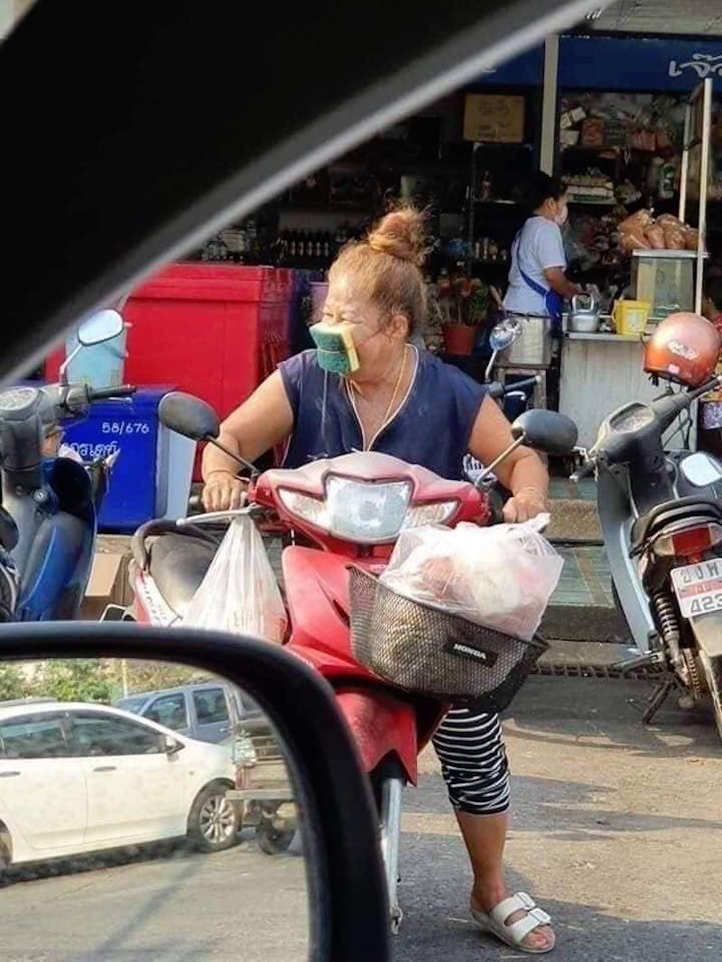 Hài hước với cách tránh dịch của người dân Thái Lan, Ấn Độ 17