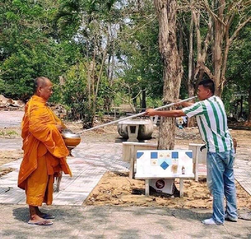 Hài hước với cách tránh dịch của người dân Thái Lan, Ấn Độ 20