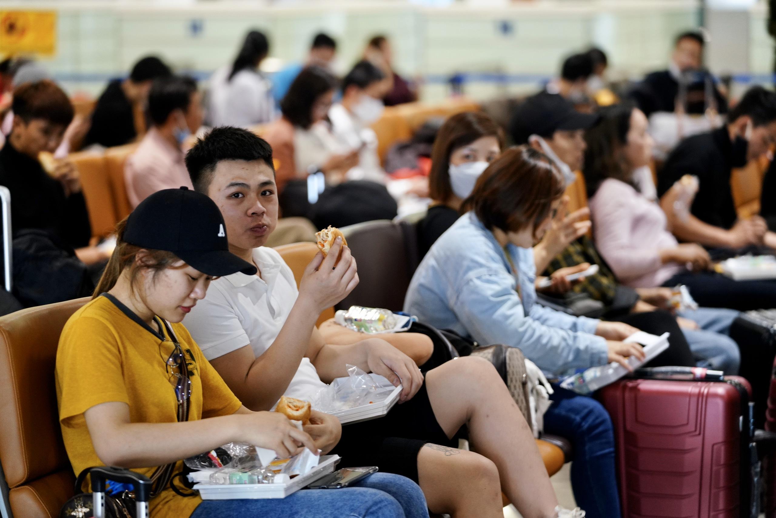 Phục vụ suất ăn miễn phí các chuyến bay từ Hàn Quốc về Việt Nam 17