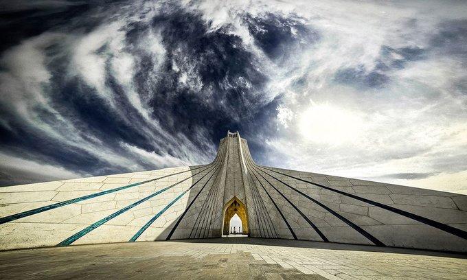 Tháp Azadi (tháp Tự Do)