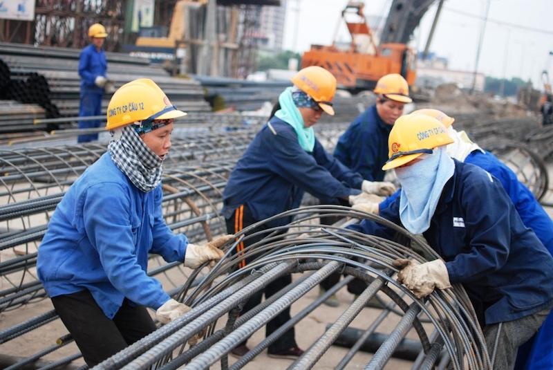 Cần có phương án gì để bảo vệ người lao động khi mất việc làm? 6