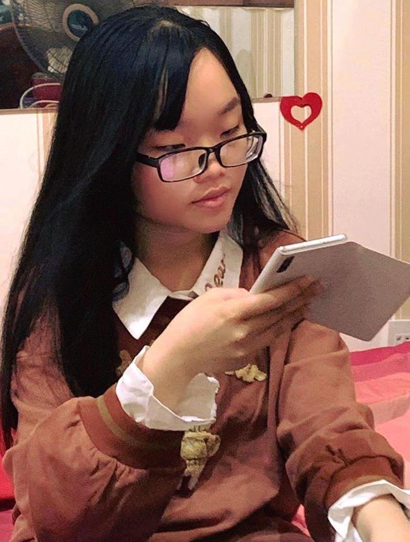 """Con gái chị Thu Tuyết, nữ du học sinh bản lĩnh xin ở lại Úc để hưởng ứng phong trào """"Hiện ở đâu hãy ở yên đấy"""""""