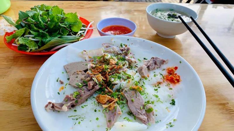 """Đường Phạm Văn Đồng: """"Đại lộ ẩm thực"""" giữa lòng Sài Gòn 16"""