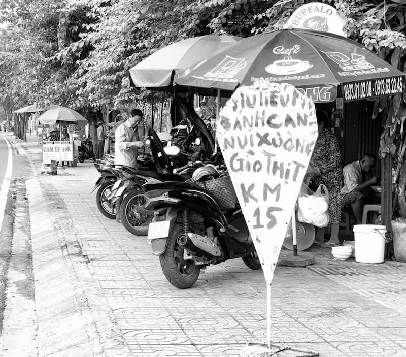 """Đường Phạm Văn Đồng: """"Đại lộ ẩm thực"""" giữa lòng Sài Gòn 11"""