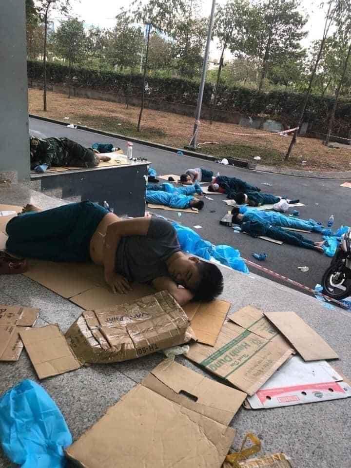 """Tài trợ """"giấc ngủ"""" cho tình nguyện viên chống dịch, cần nhiều ông Duy Lợi như thế 6"""