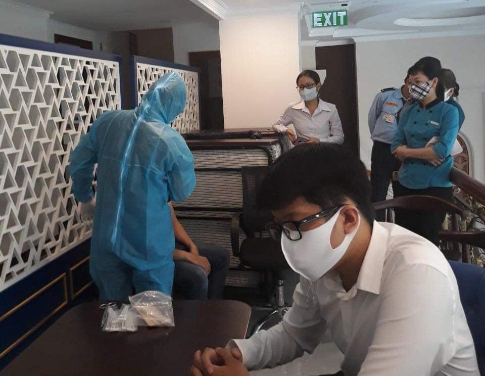 TPHCM: Hỗ trợ chỗ ăn nghỉ tử tế cho các bác sĩ tuyến đầu chống dịch 19
