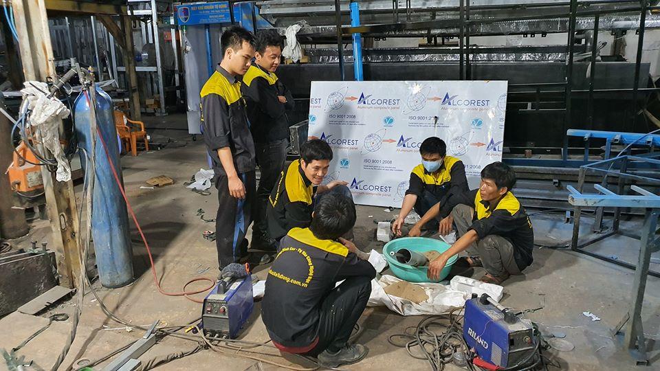 Thêm một đơn vị tuyên bố tài trợ 11 máy phát gạo tự động Aloda 14