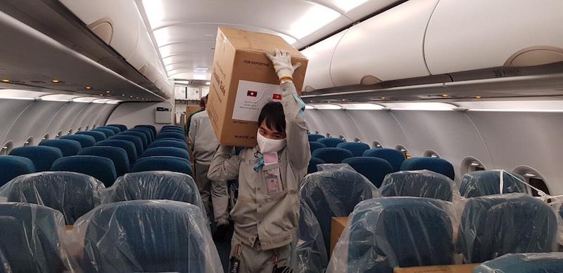 Chính phủ Việt Nam viện trợ trang thiết bị y tế cho Lào, Campuchia 7