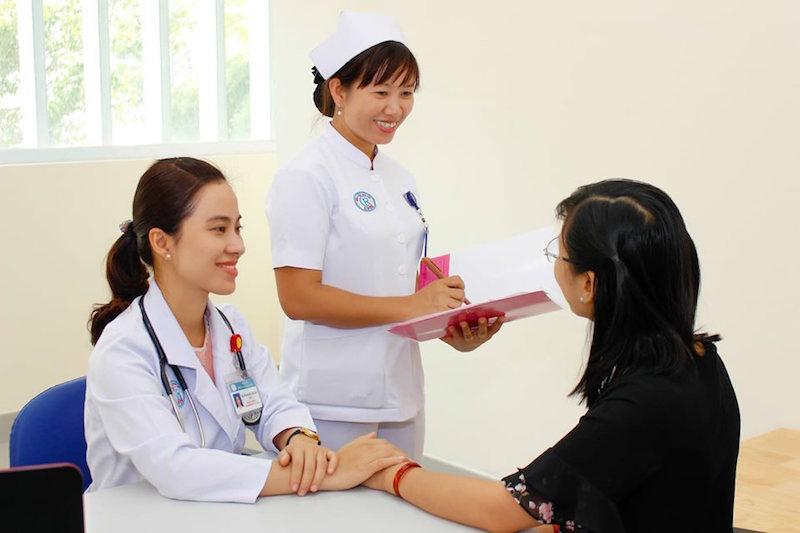 Bệnh viện Chợ Rẫy triển khai khai báo y tế chỉ cần 3 cái chạm tay 5