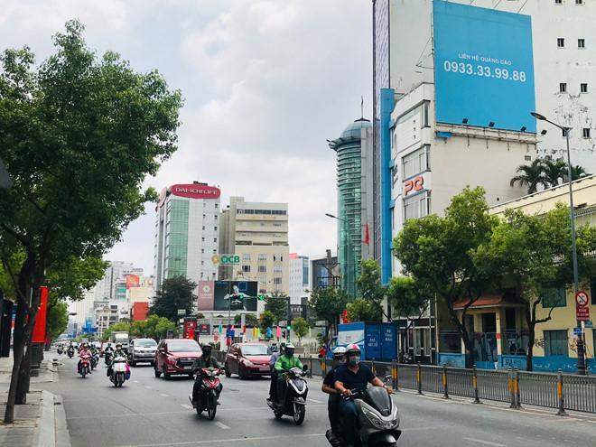 """Đường phố Sài Gòn dường như đang dần trở về đúng """"bản chất"""" trong thời gian cách ly toàn xã hội 52"""