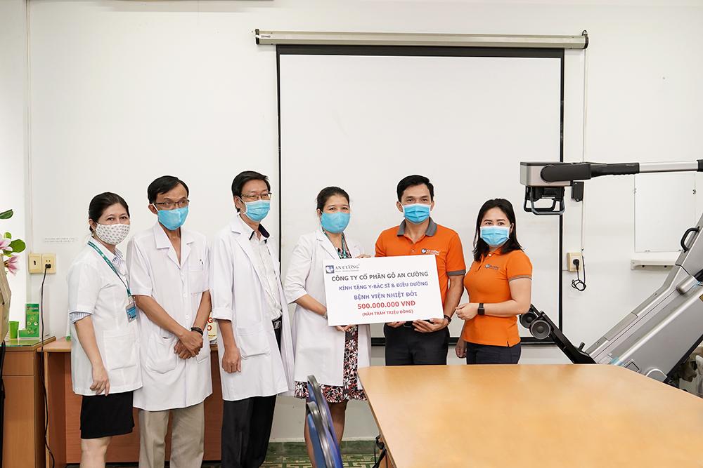 Tập đoàn Hưng Thịnh trao tặng máy X-Quang trị giá 2,8 tỷ đồng cho Bệnh viện Bệnh Nhiệt đới TP.HCM 3