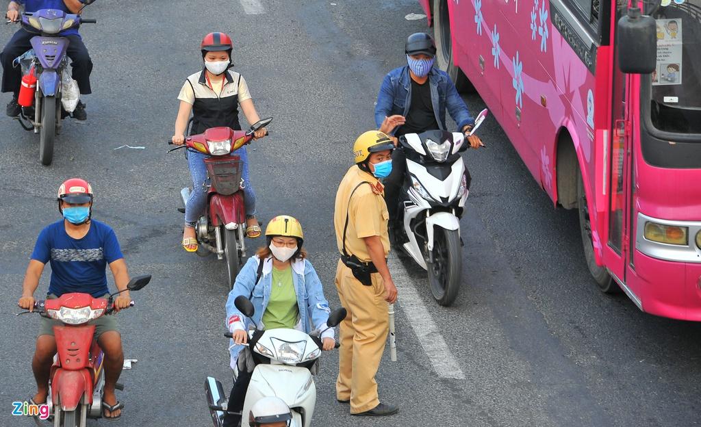 """Đường phố Sài Gòn dường như đang dần trở về đúng """"bản chất"""" trong thời gian cách ly toàn xã hội 59"""