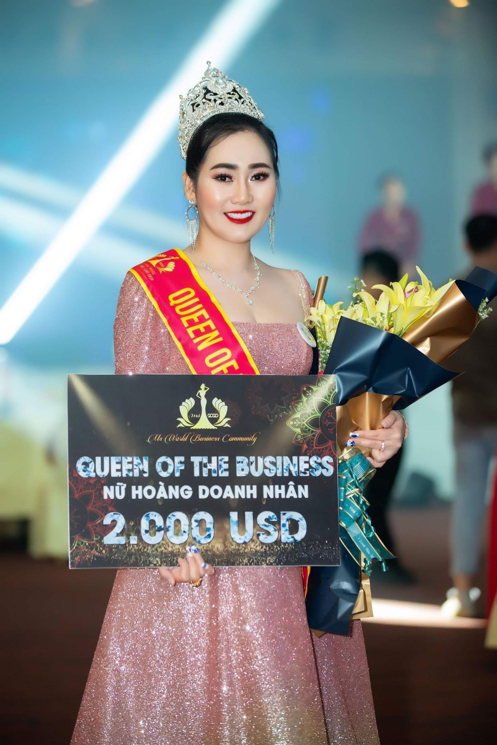 """Nữ hoàng doanh nhân Kim Ngân """"tiếp sức"""" 550 phần quà cho người nghèo 12"""