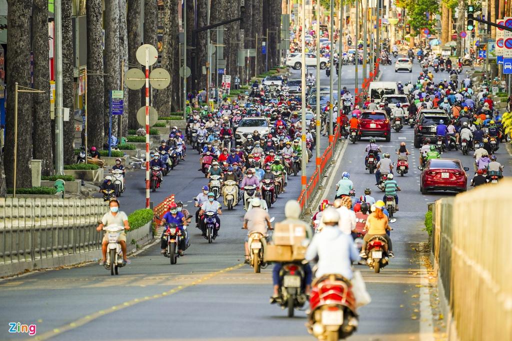 """Đường phố Sài Gòn dường như đang dần trở về đúng """"bản chất"""" trong thời gian cách ly toàn xã hội 42"""