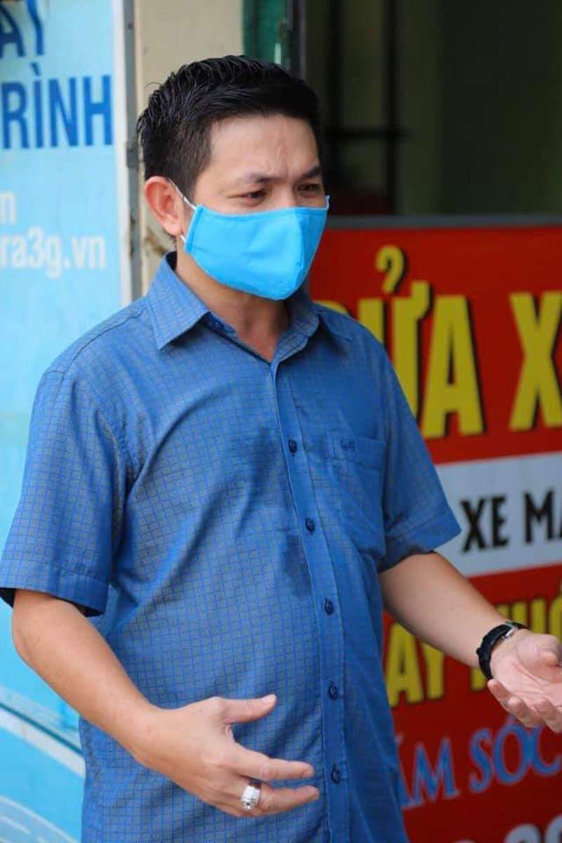 TPHCM: Một người đi bộ 15km đến nhận đúng 1,5kg gạo về cho người khuyết tật 12