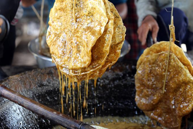 Bánh tráng nhúng đường tại Quảng Nam: Ngọt ngào nhưng cũng nhiều thăng trầm