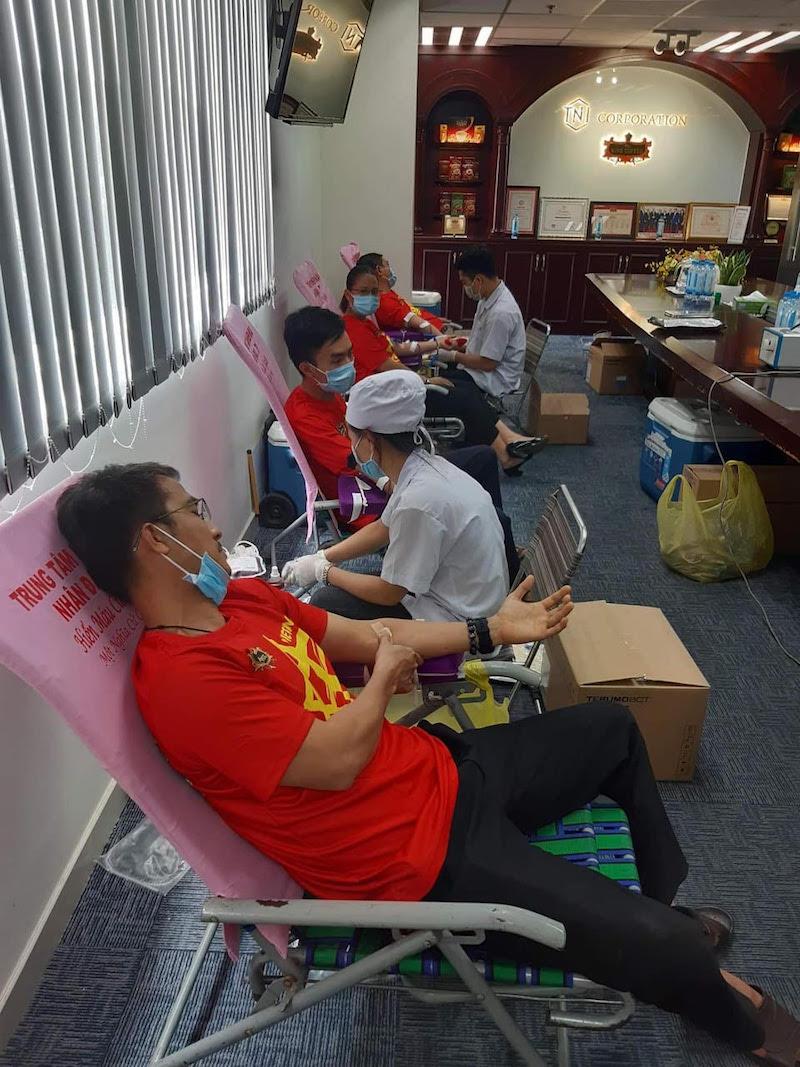 Hiến máu nhân đạo giữa mùa dịch bệnh, hành động cao đẹp của CEO Lê Hoàng Diệp Thảo 9