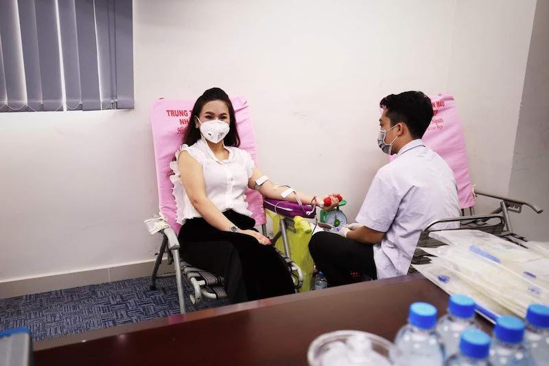 Hiến máu nhân đạo giữa mùa dịch bệnh, hành động cao đẹp của CEO Lê Hoàng Diệp Thảo 7