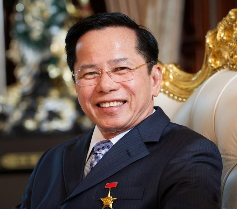 Ông Lê Văn Kiểm - Chủ tịch HĐQT Công ty Golf Long Thành duy trì được một cơ nghiệp khổng lồ và được phong danh hiệu Anh hùng Lao động.