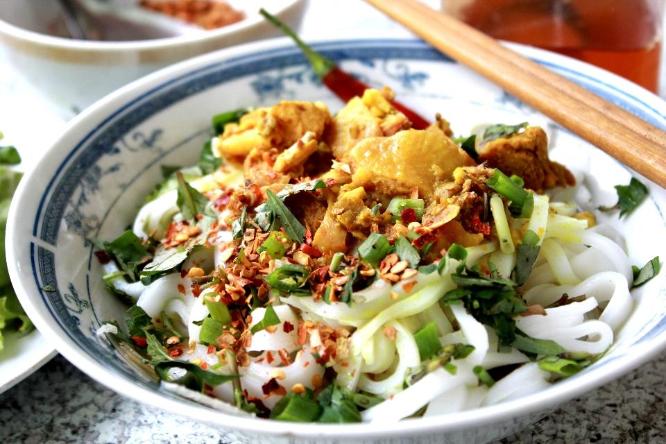 Ghé Quảng Nam thưởng thức tô mì Quảng đặc biệt