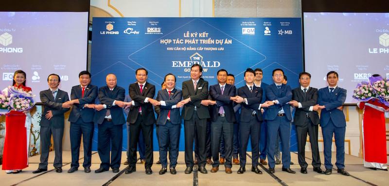 Công ty TNHH Đầu tư và Phát triển Lê Phong (Lê Phong) đã ký kết hợp tác phát triển dự án khu căn hộ đẳng cấp thượng lưu The Emerald Golf View với các đối tác.