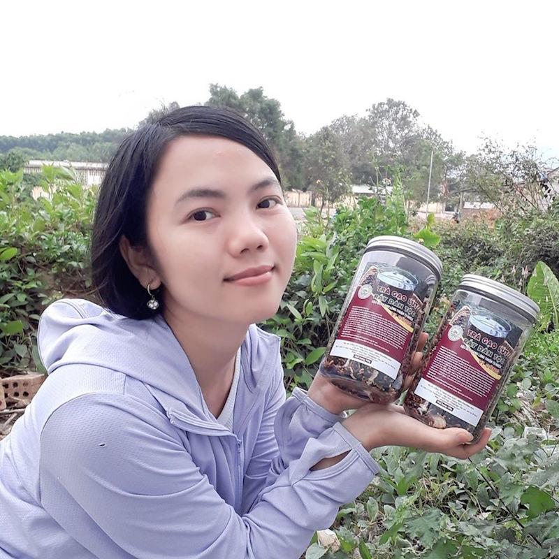 Minh Nga, cô gái từ bỏ Sài Gòn hoa lệ về huyện miền núi bán nông sản rừng BHNong 4