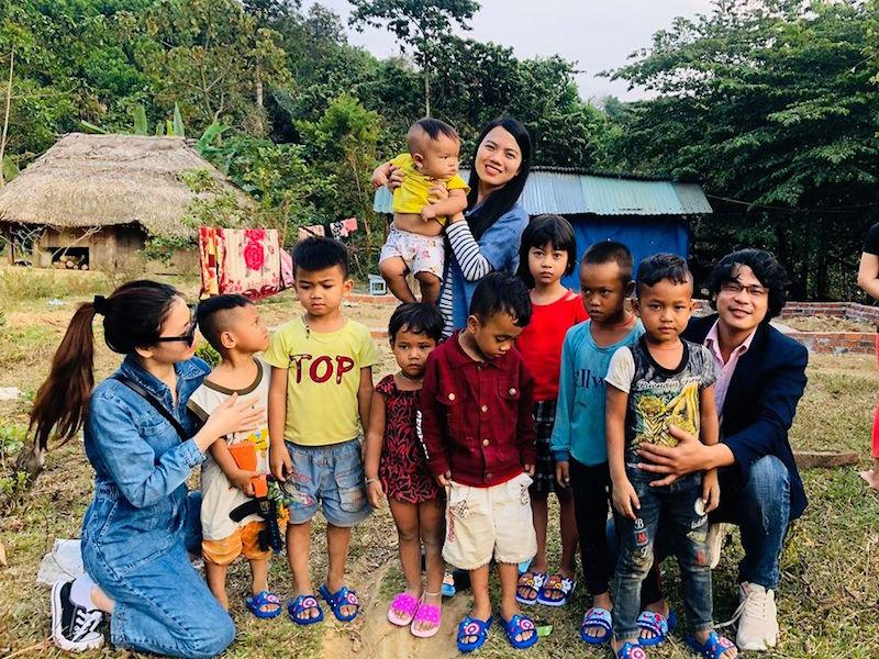Minh Nga, cô gái từ bỏ Sài Gòn hoa lệ về huyện miền núi bán nông sản rừng BHNong 8