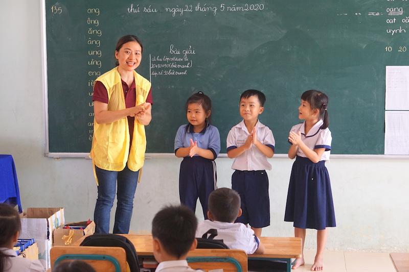 CapitaLand tặng bộ chăm sóc sức khỏe phòng chống COVID-19 cho hơn 1,400 em học sinh 2