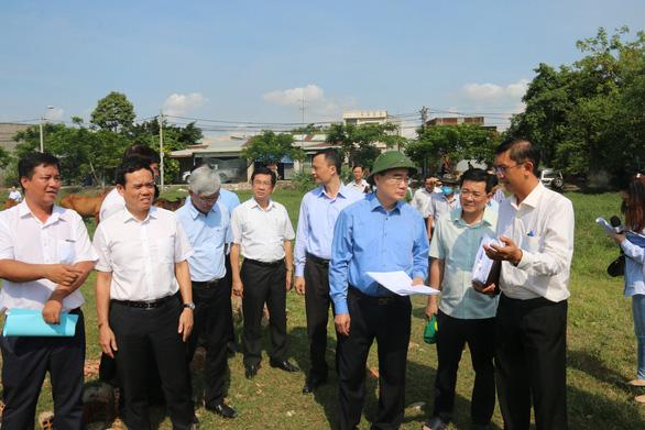 """Bí thư Nguyễn Thiện Nhân yêu cầu xử lý """"đầu nậu"""" đất ở huyện Bình Chánh 2"""