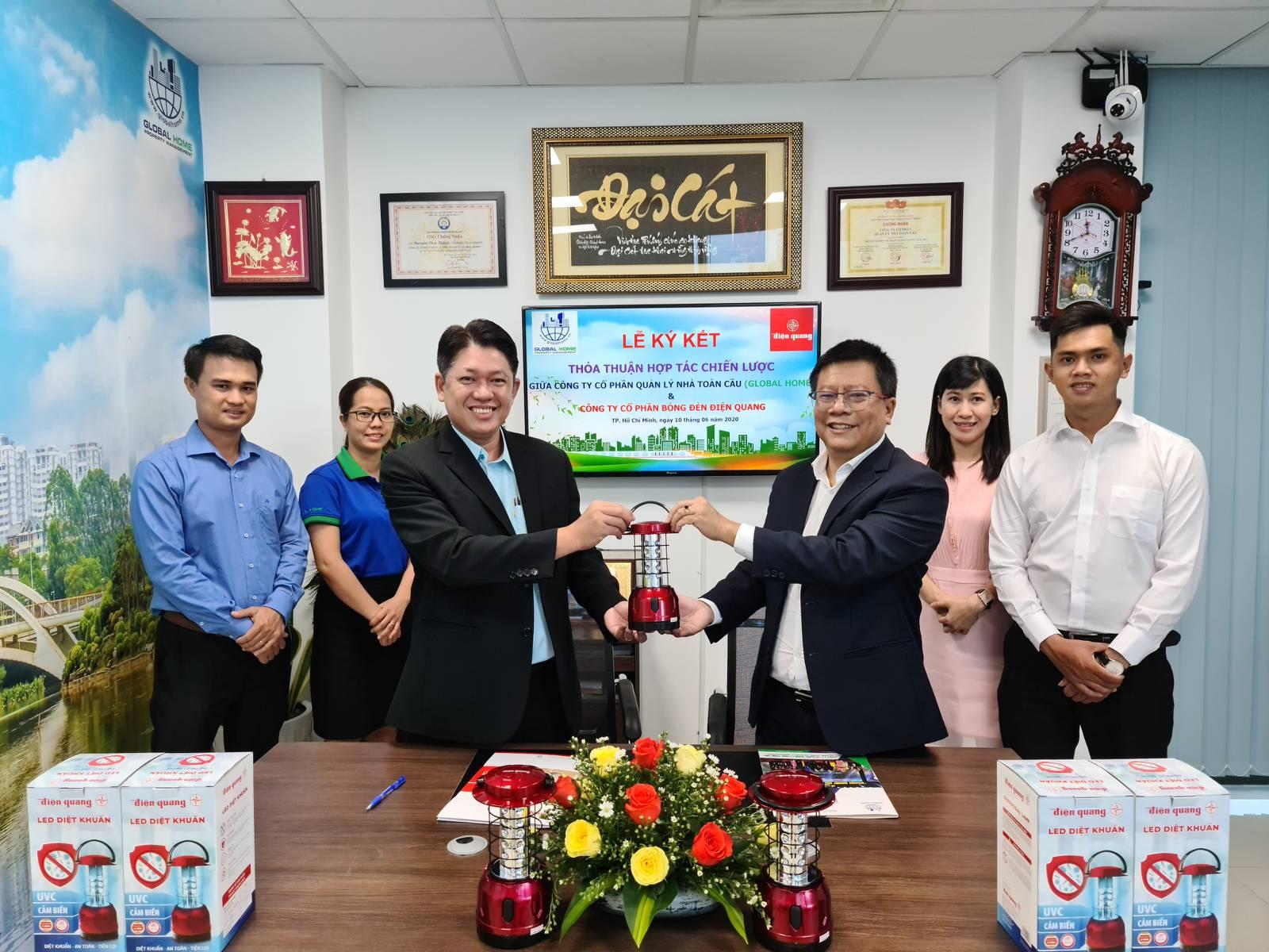 Công ty CP Quản Lý Nhà Toàn Cầu ký kết hợp tác chiến lược với Công ty CP Bóng Đèn Điện Quang 3