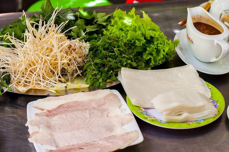Bánh tráng cuốn thịt heo – Món ăn nổi tiếng ở Đà Nẵng
