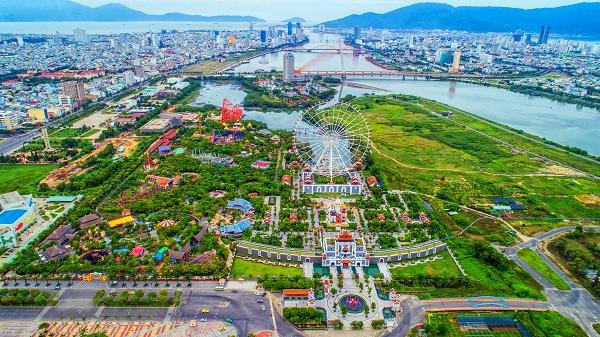 Công viên Châu Á là nơi vui chơi mang tầm cỡ quốc tế, có diện tích hơn 860.000 m2.