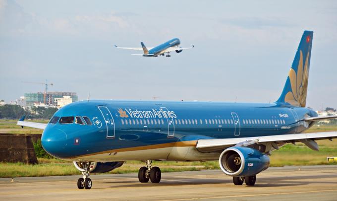 Vietnam Airlines than khó cho mình đẩy nguy hiểm cho cộng đồng sao? 3