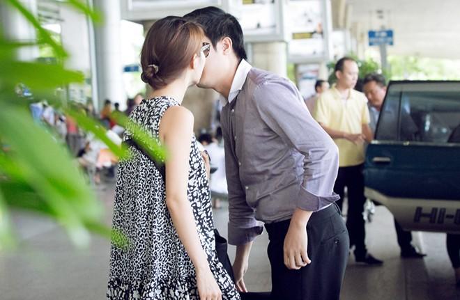 Tại sao phải đón nhau ở sân bay? 8