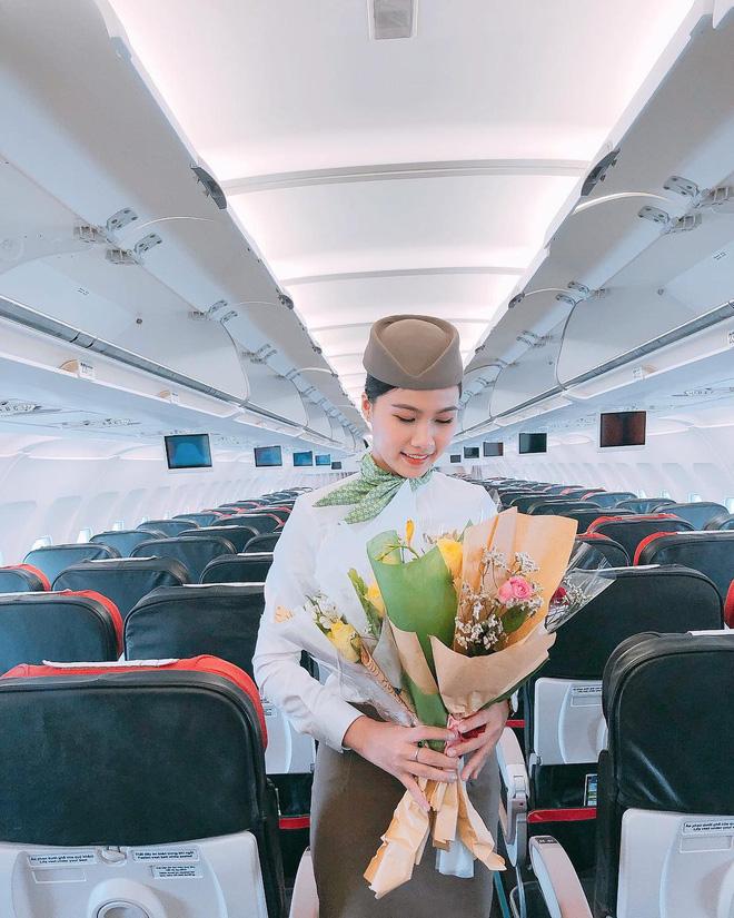 """Nữ tiếp viên hàng không tiết lộ công việc trong mơ """"nhưng cái gì cũng có giá của nó"""" 24"""